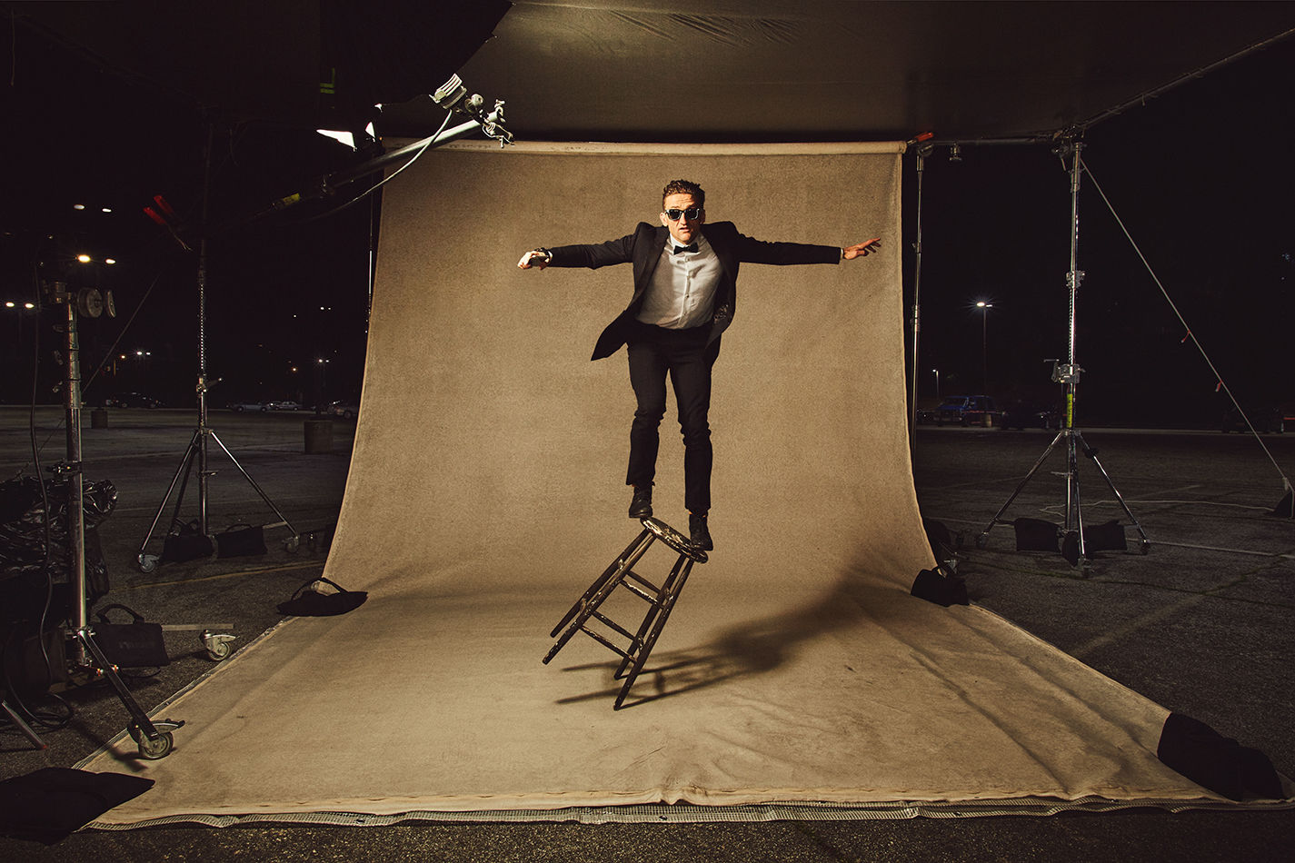Christaan Felber c/o GIANT ARTISTS  shot YouTube personality and filmmaker Casey Neistat for Samsung's Oscars campaign