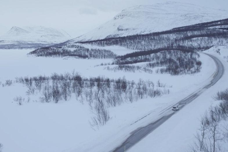 Crossing Borders – Volvo V40 Cross Country