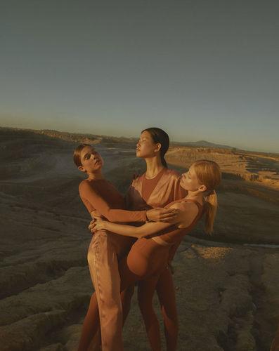 KLEIN PHOTOGRAPHEN : Nadia von Scotti for LUNE ACTIVE