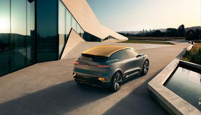 EMEIS DEUBEL: CG Watkins for Renault