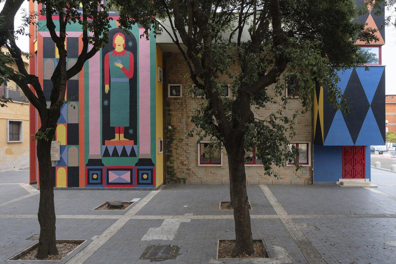 Agostino Iacurci c/o 2AGENTEN : L'ANTIPORTA  Paint on wall, dimensions variable  Biblioteca Ugo Tognazzi, Pomezia, 2021