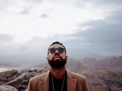 UPFRONT PHOTO & FILM GMBH: Murat Aslan für Adesse