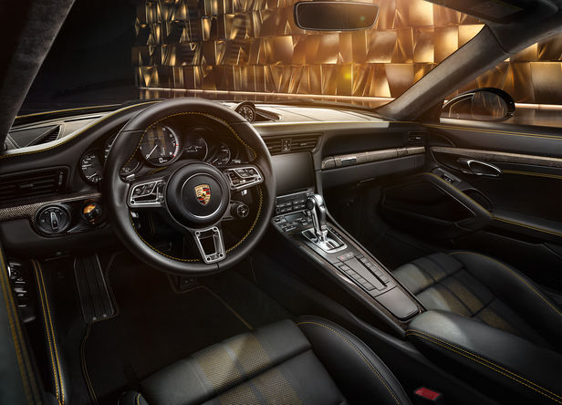 """ROCKENFELLER & GöBELS: """"PORSCHE 911 TURBO S"""" STUDIO CAR PHOTOGRAPHY BY UWE BREITKOPF"""