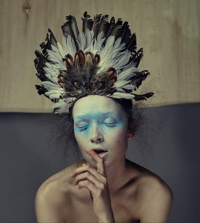 BALLSAAL : Loni BAUR (Make-up) for GLAMOUR BEAUTY BOOK #1