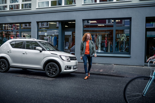 UPFRONT PHOTO & FILM GMBH: Thomas Motta for SUZUKI