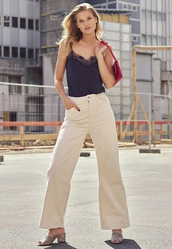 PRODUCTION BERLIN / Zalando: Get the Look x Toni Garrn