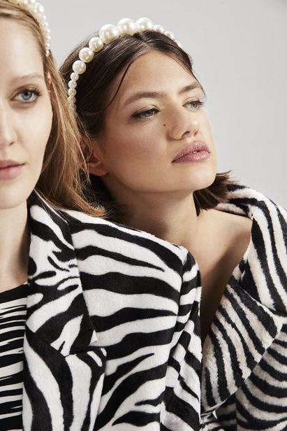 HILLE PHOTOGRAPHERS: Girls Club Editorial by ANJA BOXHAMMER