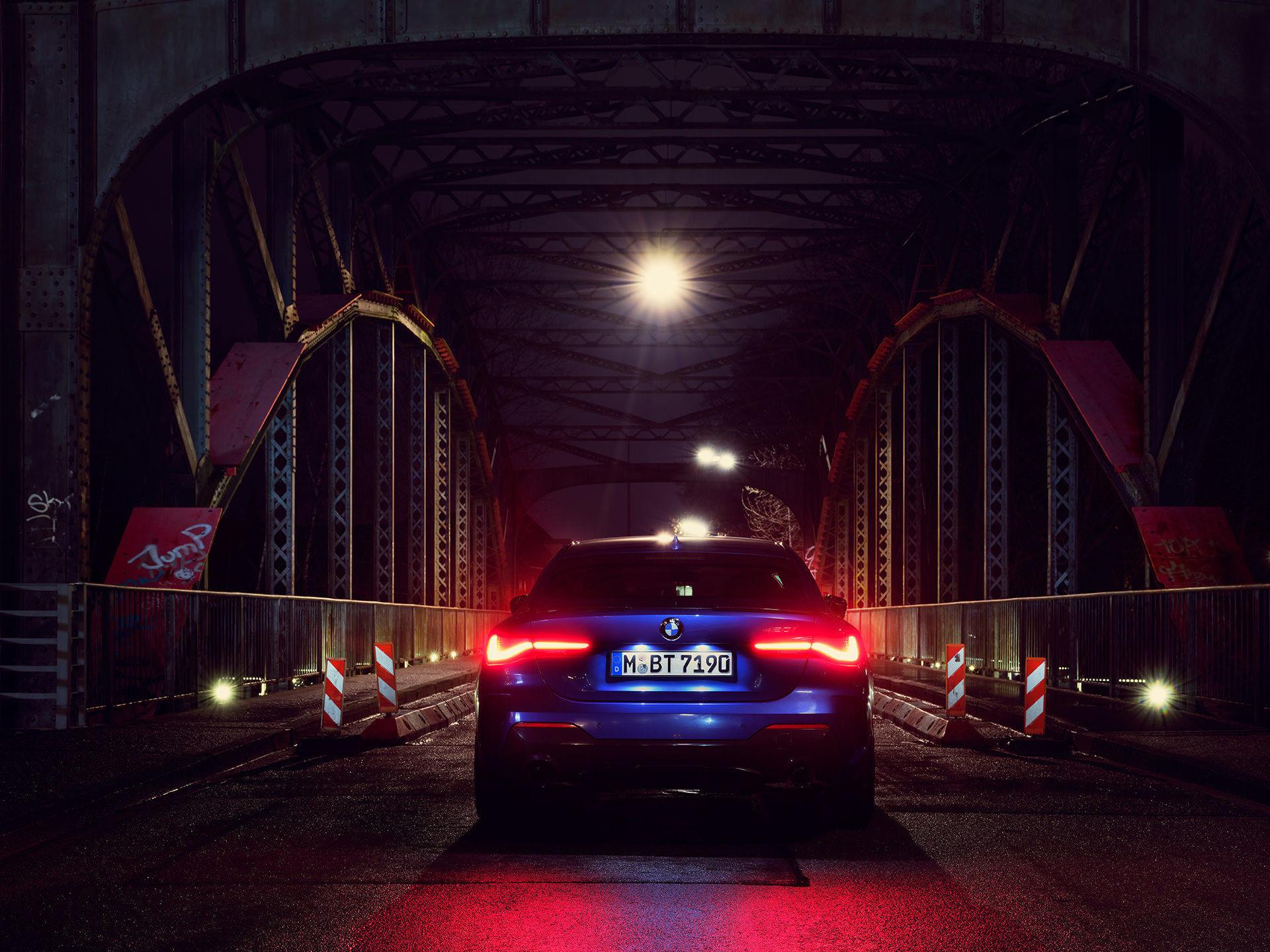 ANKE LUCKMANN & BMW 420i gran coupé  &Tansanitblau metallic & Architecture
