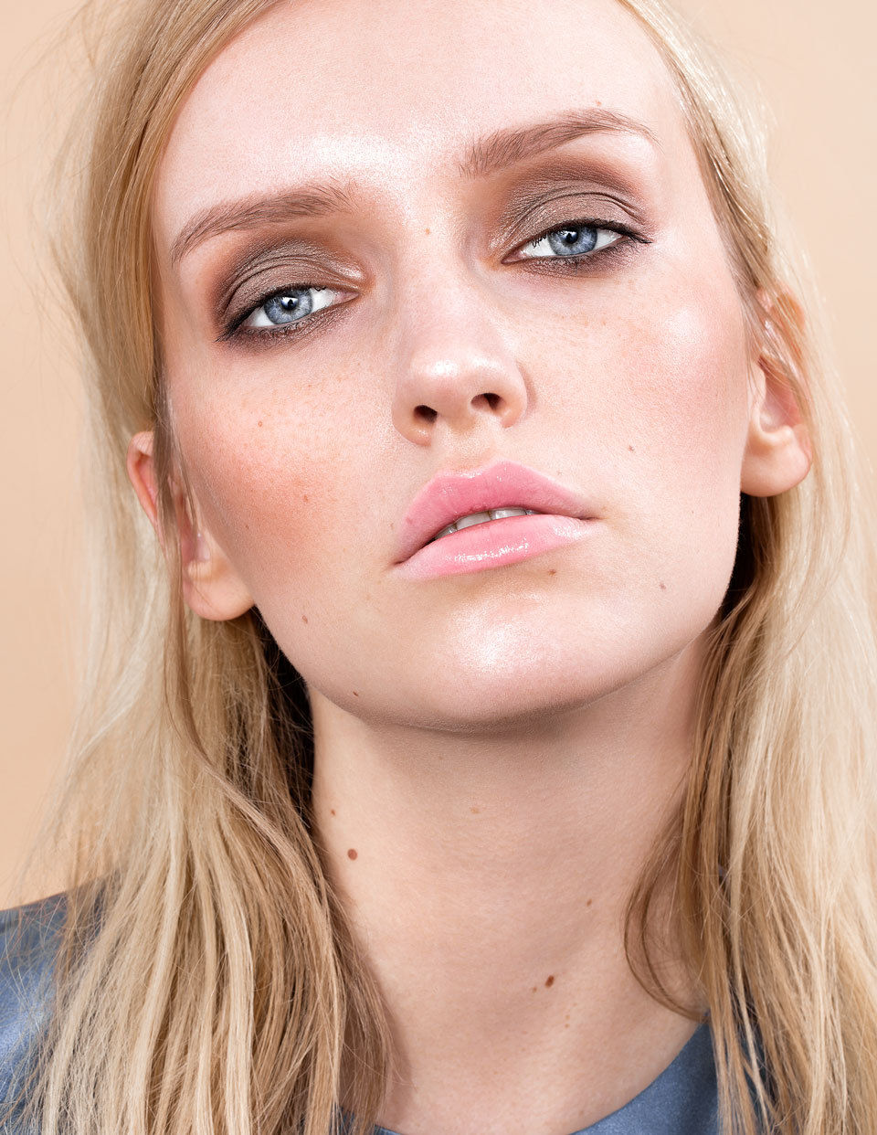 "SHOT FOTOGRAFIE Katja Schubert, Beauty Editorial ""High Gloss"" for Volant Magazine"
