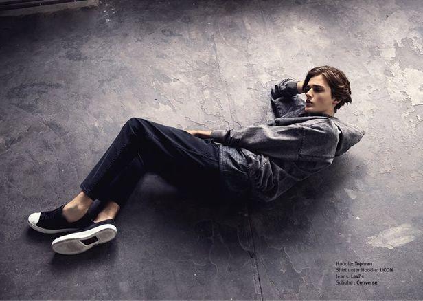 VIVA MODELS: Senna van Plateringen for ein000 Magazine