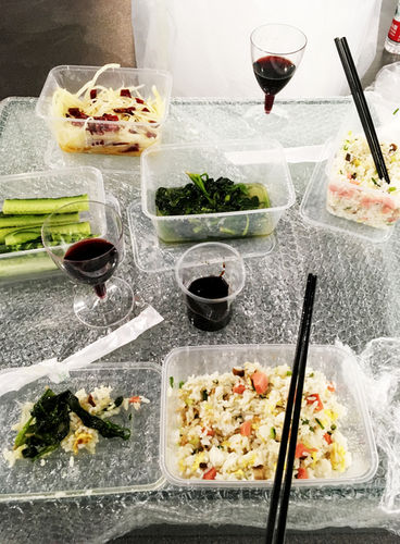 dinner on bubble wrap with Moldovan wine