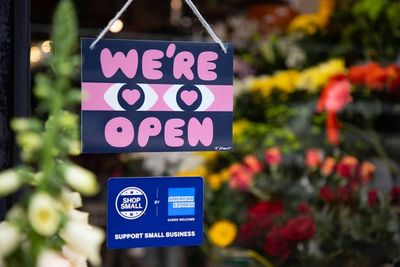 WE'RE OPEN / AMERICAN EXPRESS by Timothy HUNT c/o MAKING PICTURES