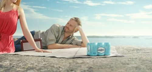 AGENT MOLLY & CO. : Lasse KAERKKAEINEN for HARTWALL