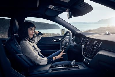 SUPERSTUDIO : 'ARRIVE LIKE NEVER BEFORE' - PHOTOGRAPHER PATRIK JOHALL SHOTS THE CAMPAIGN FOR VOLVO XC60