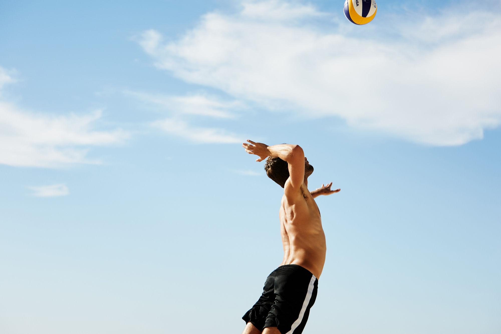 EMEIS DEUBEL: Richard Johnson Volleyball in Cape Town