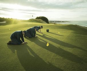 MARION ENSTE-JASPERS : Michael SCHNABEL for ALLIANZ