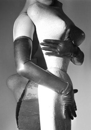 MODERN ART : Linder