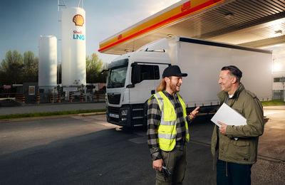 MAINWORKS GMBH - Per Schorn fotografiert Shell Anzeigenkampagne, Mainworks übernimmt die Post