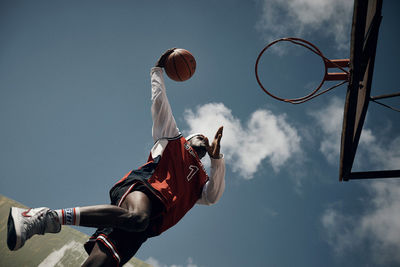 Hoops by Olly Burn c/o MAKING PICTURES