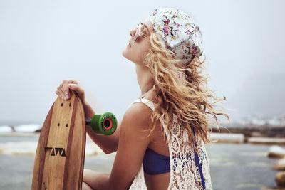 JESSICA ZUMPFE for Loyde Triana Swimwear & Lingerie plus WAWA Wooden Surfboards