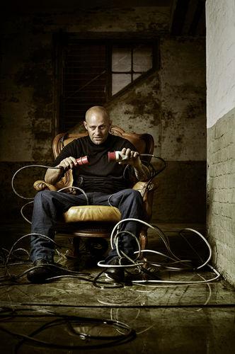 HAUSER  FOTOGRAFEN : Tobias SCHULT for PROVOCATEUR