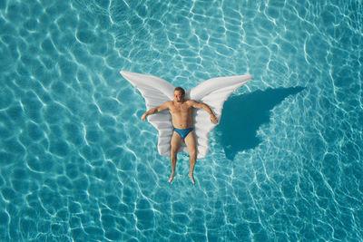 UPFRONT PHOTO & FILM GMBH: Jonathan Heyer for PostFinance