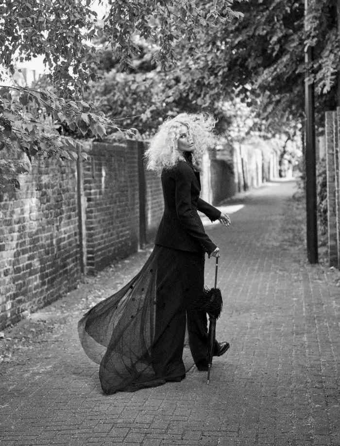 PRODUCTION BERLIN : Claudia Schiffer for Deutsch VOGUE September 2017