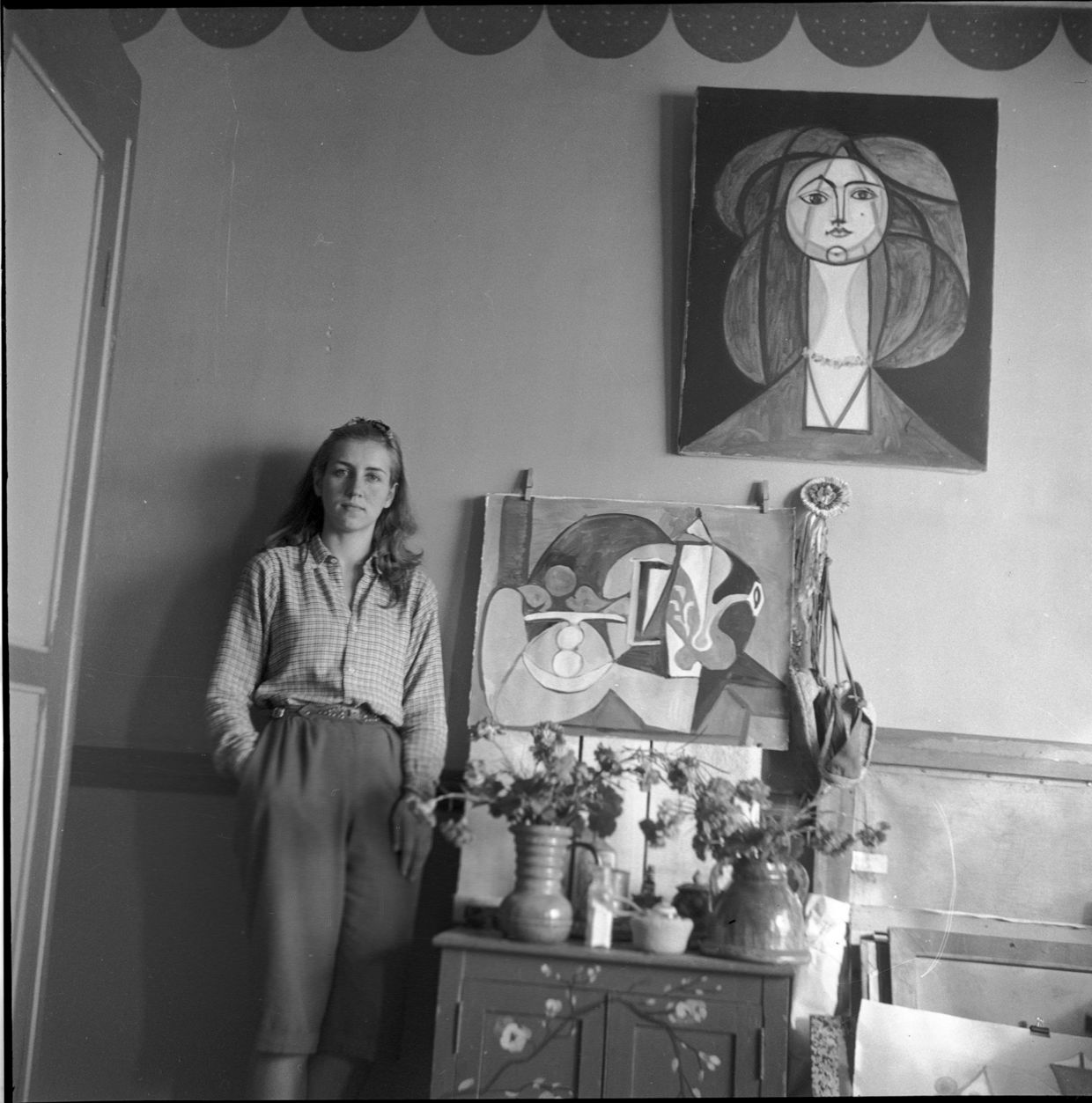 FRANÇOISE GILOT AND PABLO PICASSO THROUGH MICHEL SIMA'S LENS: Françoise la Galloise, Grimaldi Castle, September 1946