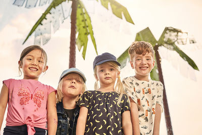 MIRIAM LINDTHALER c/o TOBIAS BOSCH FOTOMANAGEMENT FOTOGRAFIERT DIE AKTUELLE TREND KAMPAGNE FÜR JAKO-O SPRING SUMMER 2019