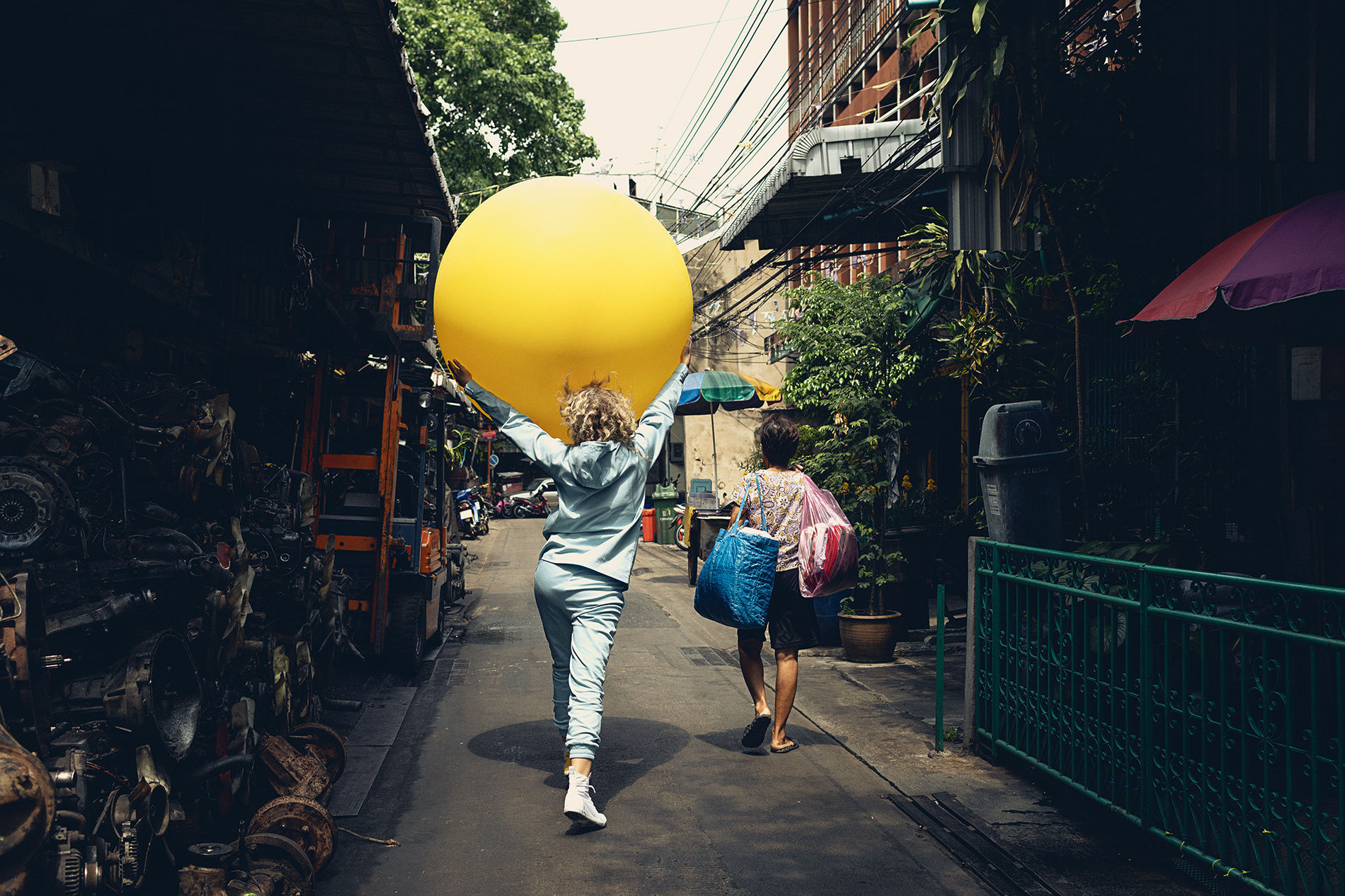 "WILDFOX RUNNING: Julia Marie Werner in Bangkok with ""Big Yellow Balloon"""