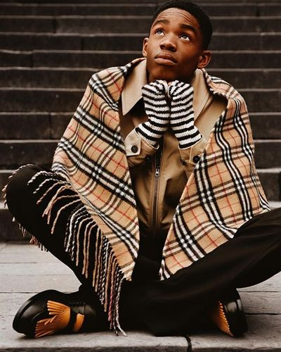 LS PRODUCTIONS   BURBERRY
