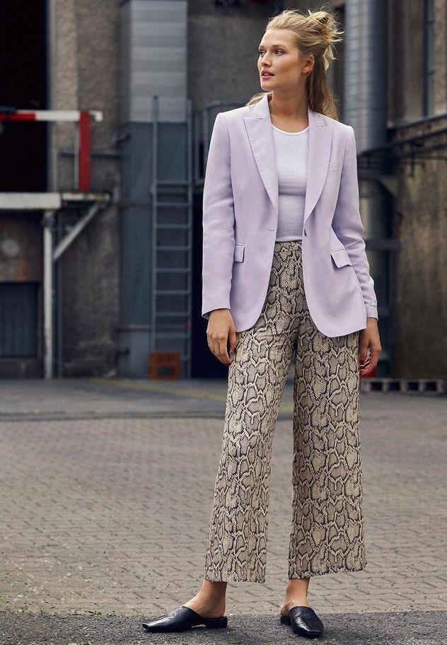 PRODUCTION BERLIN / Zalando: Get the Look x Toni Garrn