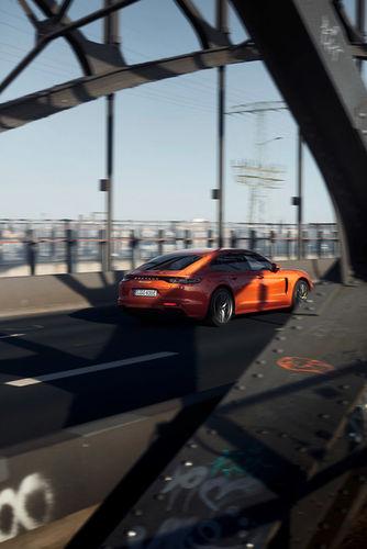 Die Stadt der Musik - Porsche Panamera trifft die erste Geige des Gewandhauses Yun-Jin Cho