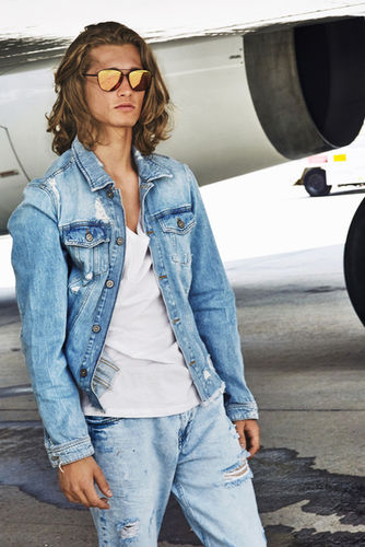 HUNTER & GATTI for Hawkers Co. in collaboration with Air Europa