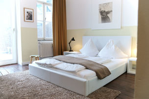 marsil apartment hotel - white room