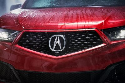JEFF LUDES shoots the Acura MDX PMC Edition