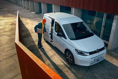 UPFRONT PHOTO & FILM GMBH: Jan Eric Euler for VW Nutzfahrzeuge New Caddy
