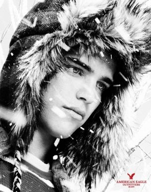 VIVA MODELS : RIVER Viiperi for AMERICAN EAGLE HOLIDAY
