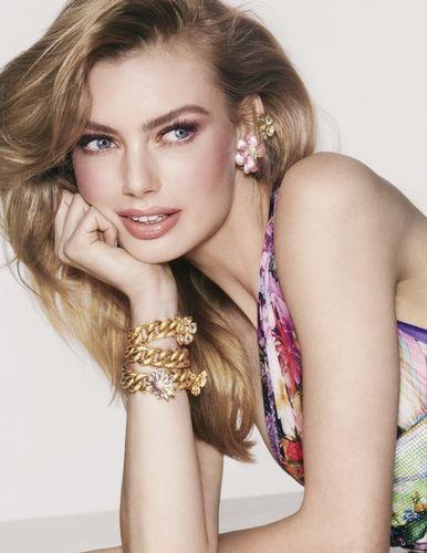 Hanna Verhees shot by Alex Waltl for Vogue NL