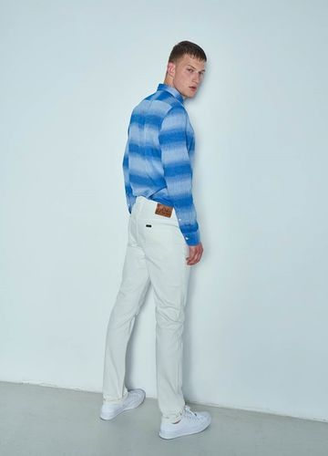 New Lookbook for Leejeans Europe Spring Summer 2017 by THE SATISFACTION
