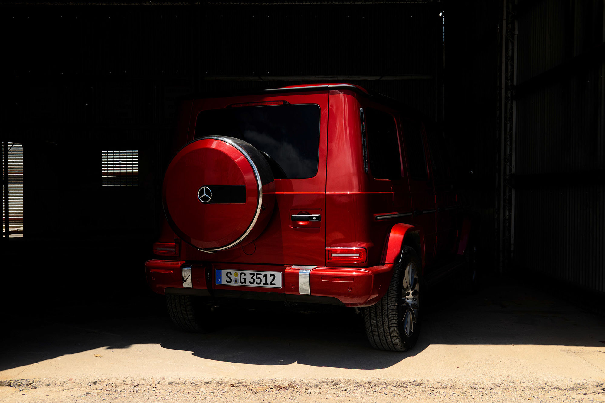 EMEIS DEUBEL: Tim Adler shoots Mercedes-Benz G-Class for antoni