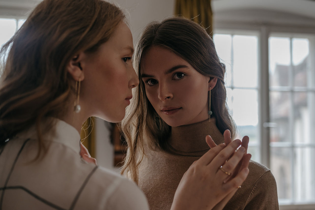 BRODYBOOKINGS: ESTHER & LEA for GOLDMARLEN