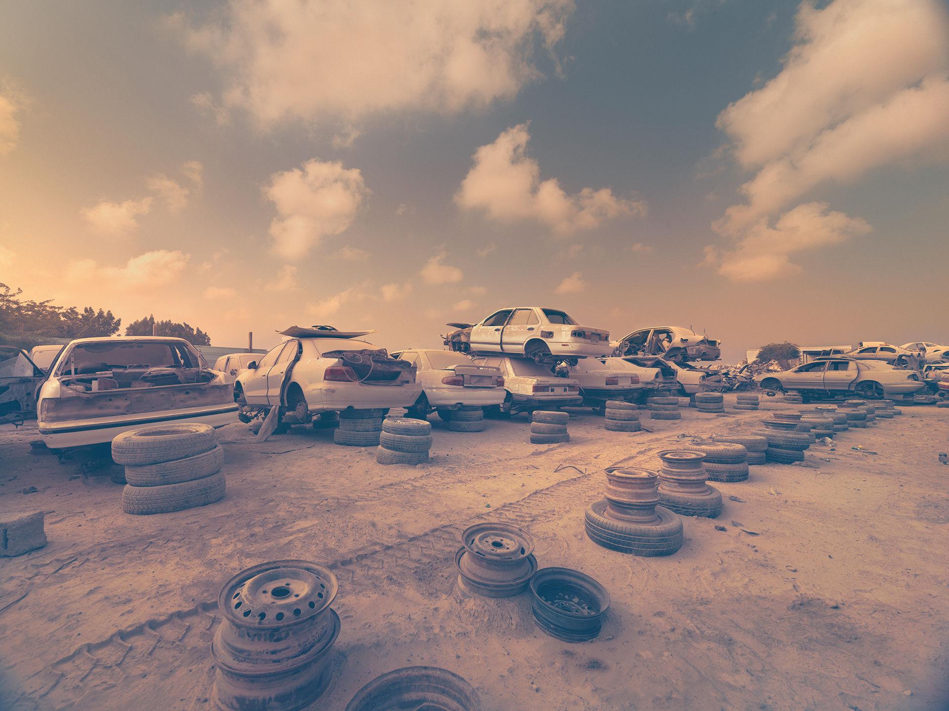 ANKE LUCKMANN - DUSTY CARS