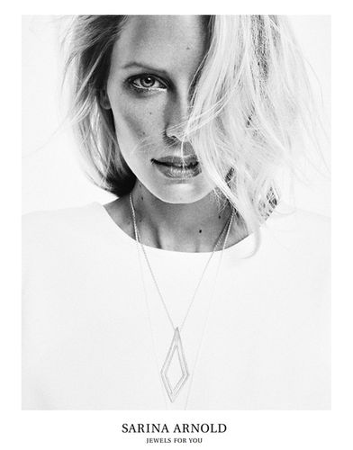 Jewelry campaign for Juwels for you by Sarin Arnold