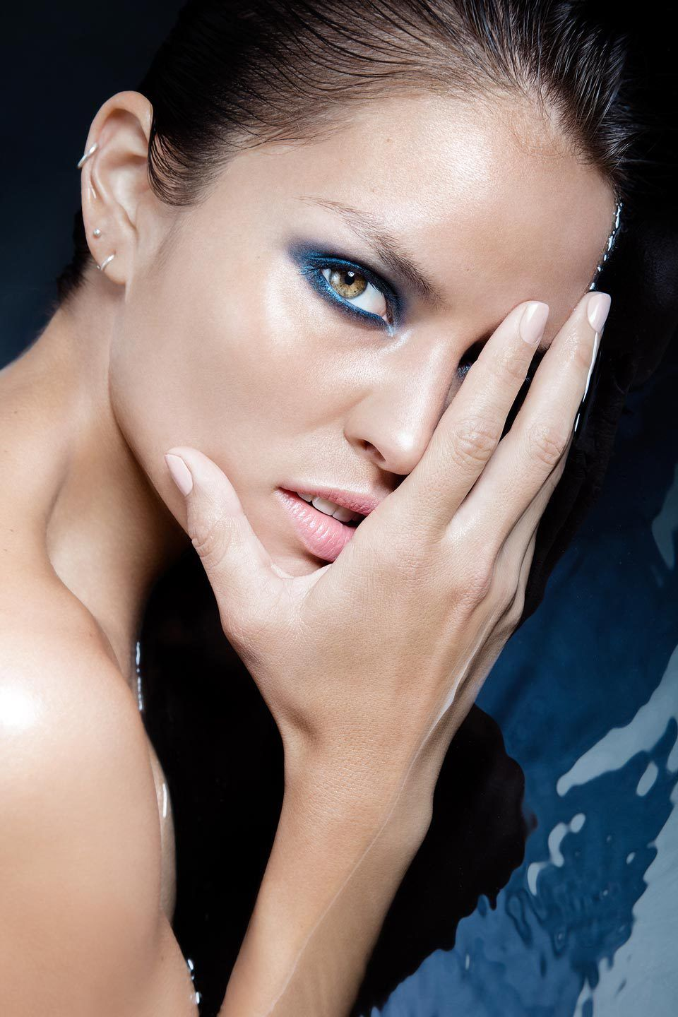 "SHOT FOTOGRAFIE Katja Schubert Beauty Editorial ""Into the blue"" for Lucy's Magazine"