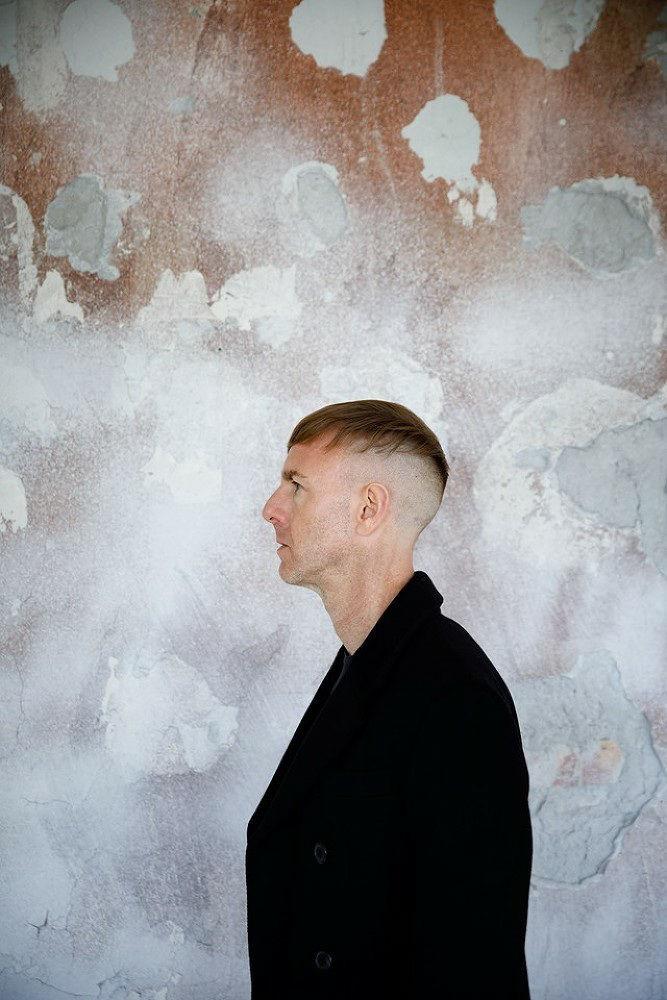 LIGANORD ARTIST ASTRID SCHEPPAN / HAIR MAKE-UP - VOGUE