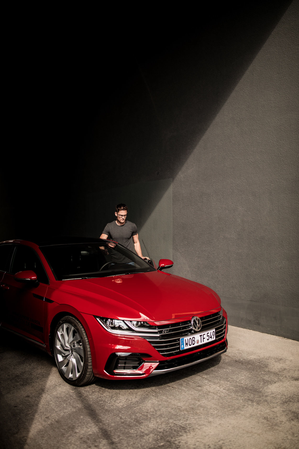 GEORG ROSKE FOR VOLKSWAGEN AG - ARTEON