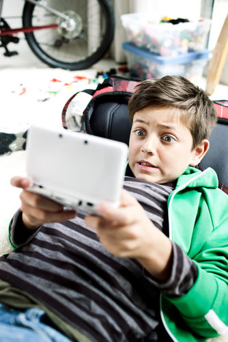 DOMINIK MENTZOS for NINTENDO 3DS