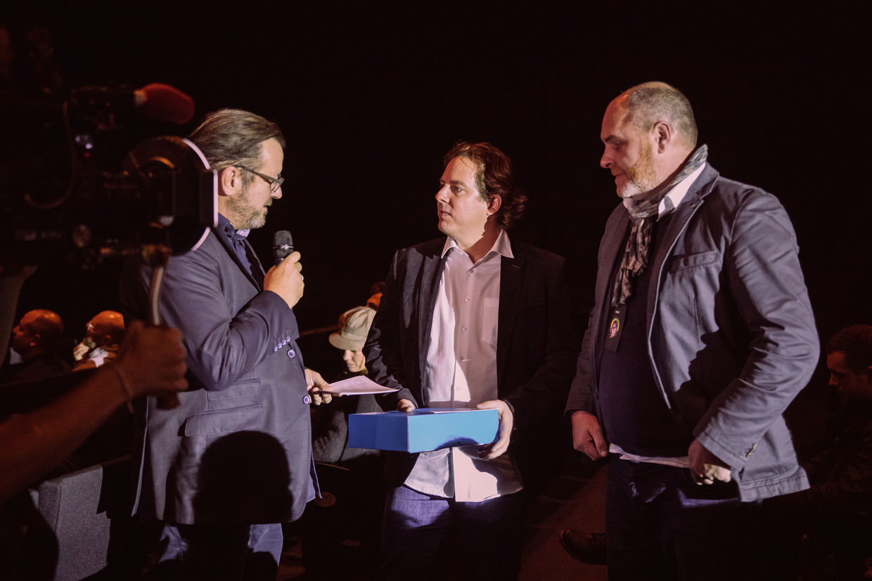 DIRECTORS LOUNGE by BBDO #57 : Steffen Gentis and Adstream/Kristian Golder and Sven Schiefer