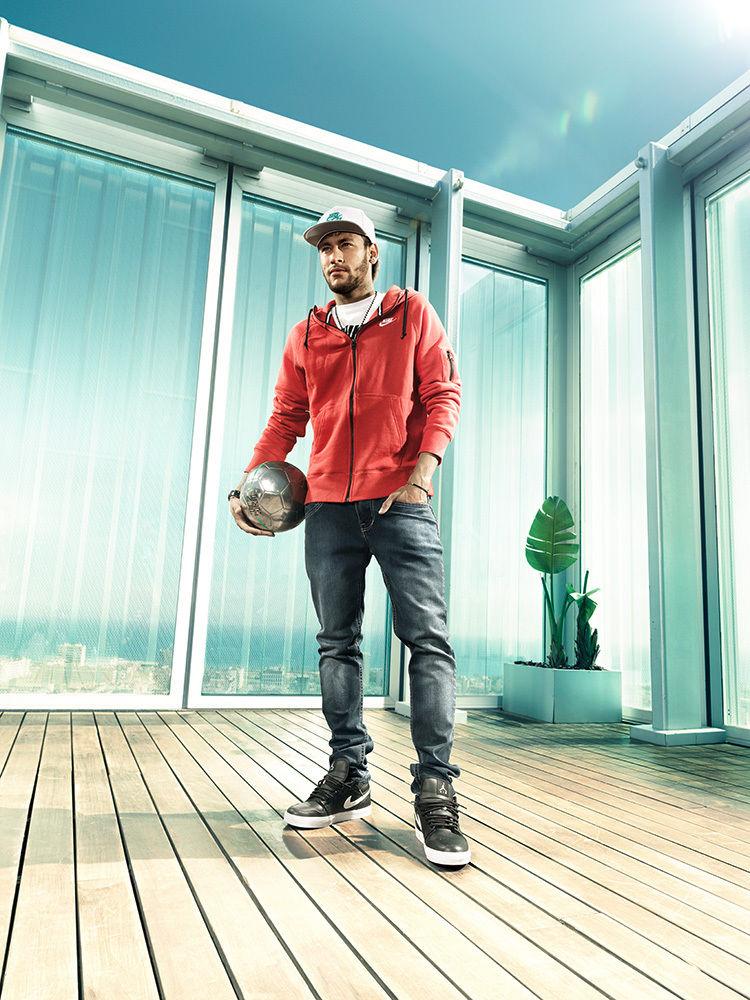 ANKE LUCKMANN: Neymar Jr for Fantastic Eleven